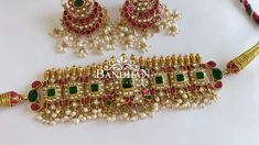 Jewelry Design Earrings, Gold Earrings Designs, Gold Bangles Design, Gold Jewellery Design, Kaasu Mala, Diy Necklace Patterns, Gold Jewelry Simple, Coral Ring, Silver Jewellery Indian