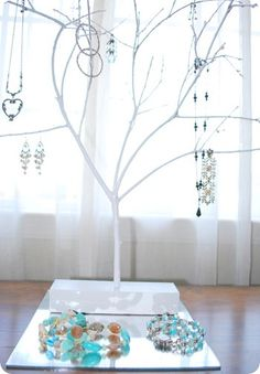 I have a jewelry tree and only used it for necklaces- long earrings will be added tonight!