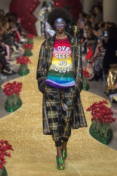 See the complete Ashish Fall 2017 Ready-to-Wear collection.