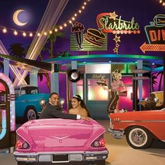Blast From The Past Complete diner, sock hop Prom theme ideas for 2016 Dance Themes, Prom Themes, Quinceanera Themes, Dance Decorations, Fifties Party, Retro Party, Grease Theme, Grease Movie, Mormon Prom