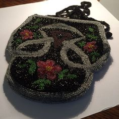 VICTORIAN GLASS BEADED PURSE .... OLD IN GOOD CONDITION #ShoulderBag