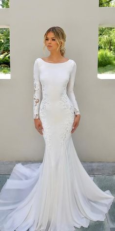 weddingdress simple 21 Modest Wedding Dresses With Sleeves modest wedding dresses with sleeves trumpet simple country enzoani Antique Wedding Dresses, Blue Wedding Dresses, Wedding Dress Trends, Wedding Dress Shopping, Bridesmaid Dresses, Dress Wedding, Wedding Wear, Mermaid Trumpet Wedding Dresses, Fall Wedding Gowns