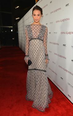 Minty fresh! Keira Knightley is a green goddess at Los Angeles premiere of Anna…