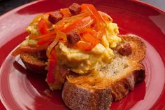 Spanishy Scrambled Eggs with Bell Peppers and Garlic Toast [CHOW]