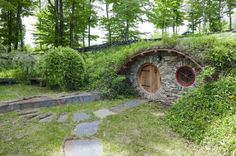 Hobbit Hole root cellar = awesome!