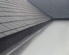 Mastic Asphalt Flat Roofing is a Very Durable Coating House Deck, House Roof, Steel Roofing, Tin Roofing, Roofing Shingles, Flat Roof Repair, Roof Replacement Cost, Tile Edge, Roof Installation