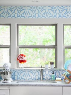 What do you think about tile all the way to the ceiling? See how it looks in this kitchen #hgtvmagazine http://www.hgtv.com/kitchens/create-a-kitchen-that-lasts-forever/pictures/page-3.html?soc=pinterest