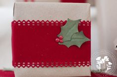 Cute Christmas wrapping idea!! :)