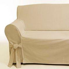 Há cerca de três meses tive que comprar capas para os meus sofás em tecido de cor cru, um branco artesanal. Foram caras e como são muito...
