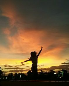 Jump for joy!  #vscogood #vsco #vscophile #vscocam #sunset by chloexrivas
