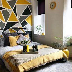 Hardal Rengi Duvar Boyası ve Uyumlu Olduğu Renkler Bedroom Wall Designs, Accent Wall Bedroom, Room Ideas Bedroom, Bedroom Decor, Modern Bedroom, Room Wall Painting, Room Paint, Creative Wall Painting, Room Colors