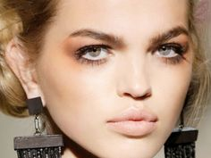 8 Chic & Affordable Fall Beauty Trends To Try Out ASAP
