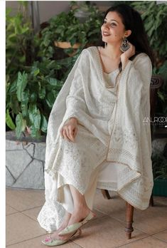 Indian Fashion Dresses, Pakistani Fashion Casual, Pakistani Dresses Casual, Indian Gowns Dresses, Dress Indian Style, Pakistani Dress Design, Indian Outfits, Designer Party Wear Dresses, Kurti Designs Party Wear
