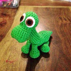 Min version af hæklet Arlo. Opskrift: https://rachchua.wordpress.com/2015/12/21/free-pattern-arlo-from-the-good-dinosaur/