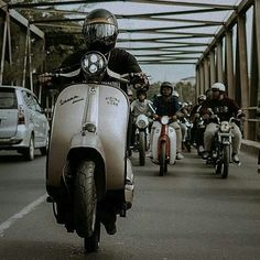 Regrann from - Hell yeah, it's friday! 👊🏼 On our way to the weekend 🎉 Classic Bikes, Friday, Motorcycle, Vehicles, Vespas, Motorcycles, Car, Motorbikes, Choppers