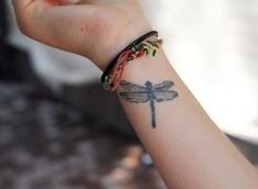 Fifty-Small-Tattoo-Ideas-22.jpg 527×385 pixels