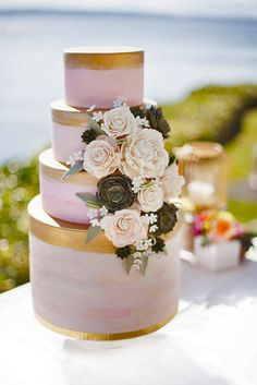 24 Simple Romantic Wedding Cakes ❤ See more: http://www.weddingforward.com/simple-romantic-wedding-cakes/ #weddings #cakes
