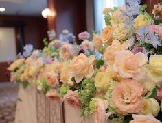 夏の装花 アプリコットオレンジとスカイブルー、如水会館様へ : 一会 ウエディングの花