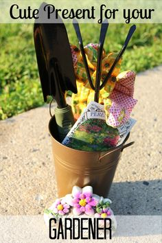 "It doesn't matter if it ""I'm Thinking of You Gift"", and end of the year teacher gift, or a birthday present this is a cute craft idea for gardeners."