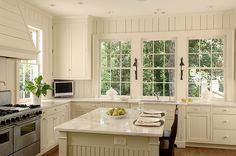 Things We Love: White Kitchens - Design Chic