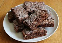 Banana Com Chocolate, Sugar Free Chocolate Chips, Dairy Free Chocolate, Flourless Chocolate, Chocolate Brownies, Homemade Chocolate, Fudgy Brownies, Protein Brownies, Homemade Brownies