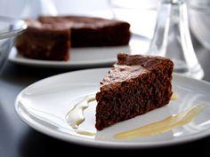 Torta caprese, crème anglaise aux noisettes  #dessert