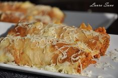 Prajitura Regina de ciocolata | Retete culinare cu Laura Sava - Cele mai bune retete pentru intreaga familie Savory Pancakes, Mousse, Irish Cream, Cooking Recipes, Pancake Recipes, Macaroni And Cheese, Smoothie, Almond, Cabbage