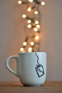 Tea cup with tea bag design Coffee Time, Tea Time, Coffee Mugs, Cafe Rico, Chocolate Cafe, Pause Café, Tea Quotes, Tea And Books, Ideias Diy