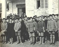Παιδόπολις Αγ. Ελευθερίου (1953) Greek History, Crete, Vintage Images, Athens, Old Photos, Old School, Documentaries, The Past, Old Things