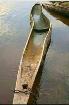 Not all the trees in the Congo Basin grow as straight as an arrow , but the owners of these unique dugout canoes are happy that they can identify it from half a mile away.