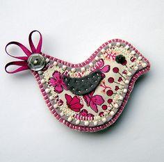 Folksy handmade felt applique bird brooch pin | Fabric Crafts | Popular Crafts…