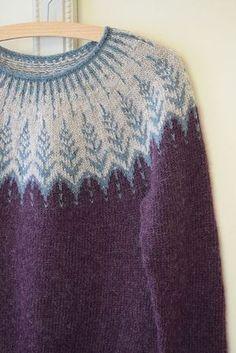 Winter sun pattern by Jennifer Steingass Ravelry: Project Gallery for Vintersol pattern by Jennifer Steingass History of Knitting Yarn spinning, weaving and stit. Fair Isle Knitting Patterns, Knitting Stitches, Knitting Socks, Free Knitting, Knitting Machine, Tejido Fair Isle, Handgestrickte Pullover, Icelandic Sweaters, Knitting Projects