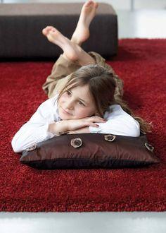 Ein flauschig umgebuckter Teppich. Träume fühlen sich davon magisch angezogen.