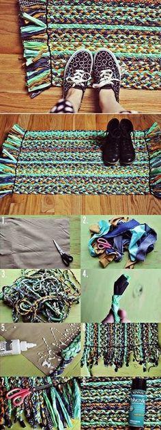 Beautiful Braided Rug – DIY, – Rug making Fabric Crafts, Sewing Crafts, Sewing Projects, Craft Projects, Diy Crafts, Hippie Crafts, Furoshiki, Diy Carpet, Hall Carpet