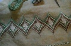 Lino verde ritorto colorato e punto bargello per l' asciugamano ...