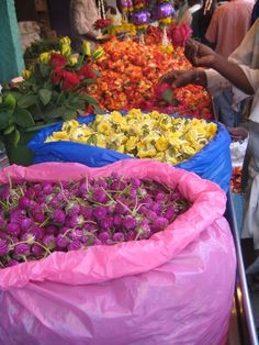 In Motion Lifestyle - Colours of India - flower market in India.