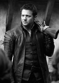 Jeremy Renner in Hansel and Gretel. He looked dark and sexy in this movie!