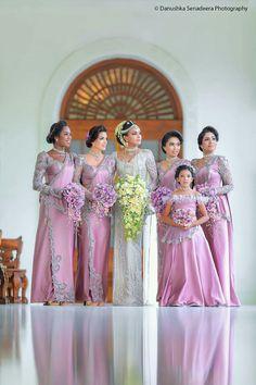 kb Indian Wedding Bridesmaids, Indian Bridesmaid Dresses, Bridesmaid Saree, Bridesmade Dresses, Bridesmaid Outfit, Brides And Bridesmaids, Saree Wedding, Bridal Dresses, Asian Inspired Wedding
