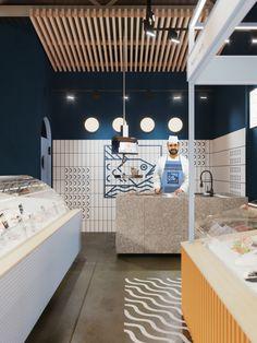 Cafe Interior, Shop Interior Design, Retail Design, Store Design, Seafood Store, Seafood Market, Meat Store, Fish And Chip Shop, Supermarket Design