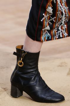 63d3525ccdf448 Chloé Fall 2016 Ready-to-Wear Fashion Show · 2016 Fashion TrendsChloeShoes  SandalsShoe ...