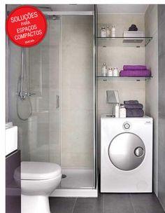 Nem sempre é possível ter uma área de serviço decorada e espaçosa! A ideia de integrar dentro do banheiro facilita bastante após o ...