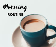A successful school day morning routine will make for a happy and less crazy morning! Read on to learn how to develop a simple morning routine that works! #morningroutine #schoolroutine #morning #easy #simple #productivity