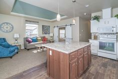 Consider this crucial pic in order to look into the shown info on Manufactured Home Decorating Small Modular Homes, Small Mobile Homes, Modular Homes For Sale, Modular Home Floor Plans, House Floor Plans, Home Renovation, Home Remodeling, Manufactured Home Decorating, Prefab