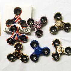 2017 New Camo Colorful Fidget Spinner Toy Hand Triangular Spinner Toy For Decompression Anxiety Toys With Retailed Box