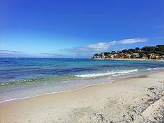 Antibes : Charmant petit appartment à vendre avec accès direct à la plage de Salis  Emplacement idéal au pied du Cap d'Antibes. Résidence avec piscine.