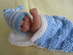 Crochet Patterns Sleeping Bag Itty Bitty Baby Doll Sleeping Bag and Stocking Hat Crochet Doll Clothes, Knitted Dolls, Crochet Dolls, Crochet Baby, Baby Knitting Patterns, Doll Patterns, Crochet Patterns, Baby Sleeping Bag Pattern, Bitty Baby Clothes