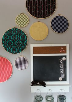 Inexpensive Fabric Art - totally doing this!