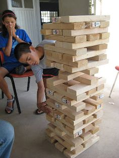 So easy to make... and it would be a fun outdoor summer game! :)