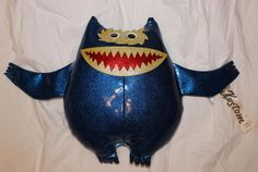 70's Kustom Kat Nauga Monster Blue + White + Red Sparkle - AMAZING Condition!!