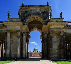 DE-Potsdam-Kolonnaden-Portal